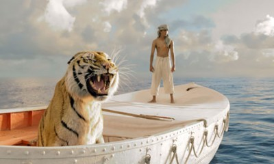 Suraj Sharma and tiger in Life of Pi