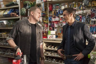 JUSTIFIED -- Kill the Messenger -- Episode 506 (Airs Tuesday, February 11, 10:00 pm e/p) -- Pictured: (L-R)  Michael Rapaport as Darryl Crowe, Jr., Timothy Olyphant as Deputy U.S. Marshal Raylan Givens -- CR: Prashant Gupta/FX