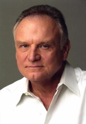 Bill Smitrovich headshot