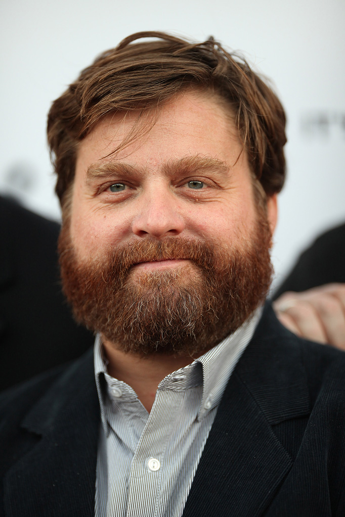 The 47-year old son of father Harry Galifianakis and mother Mary Frances Galifianakis, 173 cm tall Zach Galifianakis in 2017 photo