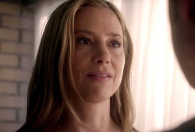 Mira  Sorvino Intruders screenshot 2 9-25-14