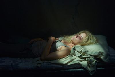 orphan-black-s3 - Helena captive
