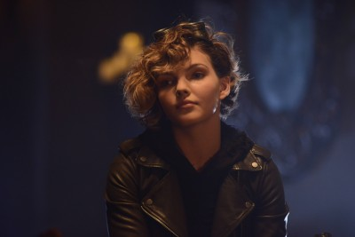 GOTHAM: Selina (Camren Bicondova) in the ÒDamned if you Do,É Ó Season Two premiere of GOTHAM airing Monday, Sept. 21 (8:00-9:00 PM ET/PT) on FOX. ©2015 Fox Broadcasting Co. Cr: Nicole Rivelli/FOX