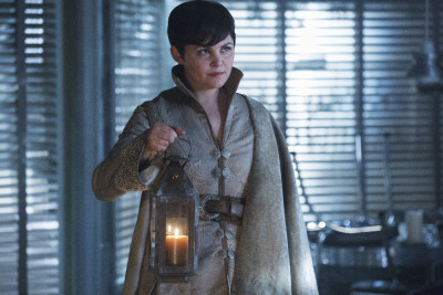 "ONCE UPON A TIME - ""The Broken Kingdom"" - After receiving a cryptic warning from Lancelot about Arthur's intentions, Mary Margaret realizes Arthur may be the heroes' biggest threat, but when she is unable to convince David of the danger, she takes matters into her own hands. Meanwhile, Hook's unwavering love for Emma provides a glimmer of hope in her struggle against the unrelenting voice of Rumplestiltskin. In a Camelot flashback, Guinevere senses that Arthur is losing his way, consumed by his obsession with making Excalibur whole, so she sets out with Lancelot on her own quest into the heart of darkness. In Storybrooke, Dark Emma unleashes a secret weapon in the next phase of her plan to find the brave soul she needs to draw Excalibur from the stone, on ""Once Upon a Time,"" SUNDAY, OCTOBER 18 (8:00-9:00 p.m., ET) on the ABC Television Network. (ABC/Jack Rowand) GINNIFER GOODWIN"