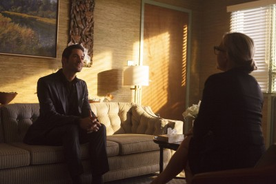 LUCIFER: L-R: Tom Ellis and Rachael Harris in the ÒLucifer, Stay. Good DevilÓ episode of LUCIFER  airing Monday, Feb. 1 (9:00-10:00 PM ET/PT) on FOX. ©2016 Fox Broadcasting Co. CR: Bettina Strauss/FOX