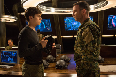 "Nick Robinson and Liev Schrieber in Columbia Pictures' ""The 5th Wave,"" starring Chloë Grace Moretz."