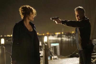 "SHADES OF BLUE -- ""False Face, False Heart"" Episode 103 -- Pictured: (l-r) Jennifer Lopez as Det. Harlee Santos, Ray Liotta as Bill Wozniak -- (Photo by: Peter Kramer/NBC)"