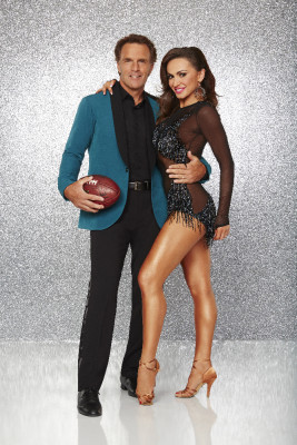 "DANCING WITH THE STARS - DOUG FLUTIE AND KARINA SMIRNOFF - The stars grace the ballroom floor for the first time on live national television with their professional partners during the two-hour season premiere of ""Dancing with the Stars,"" which airs MONDAY, MARCH 21 (8:00-10:01 p.m., ET) on the ABC Television Network. (ABC/Craig Sjodin)"