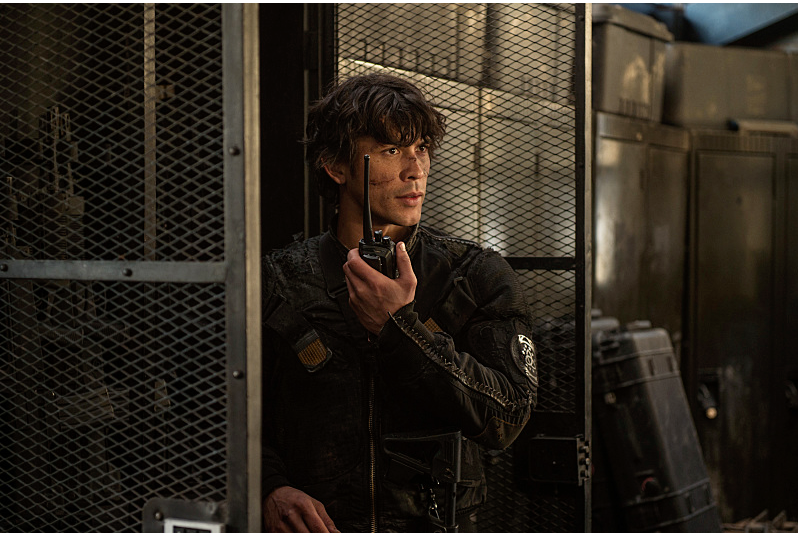 Bob Morley as Bellamy -- Credit: Diyah Pera/The CW -- © 2016 The CW Network, LLC.