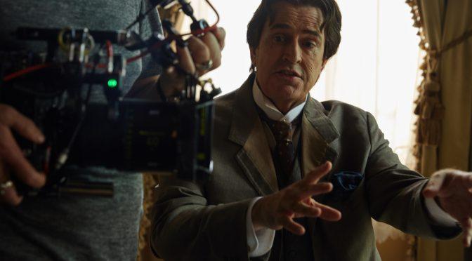 """Rupert Everett is """"Wilde"""" about Oscar"""